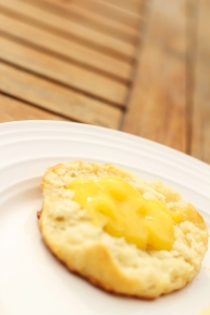 lemon curd on biscuit