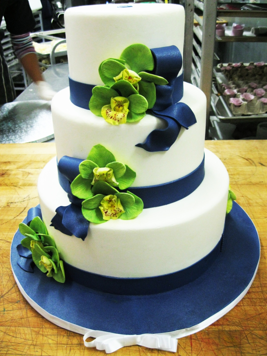 blue ribbon orchid cake